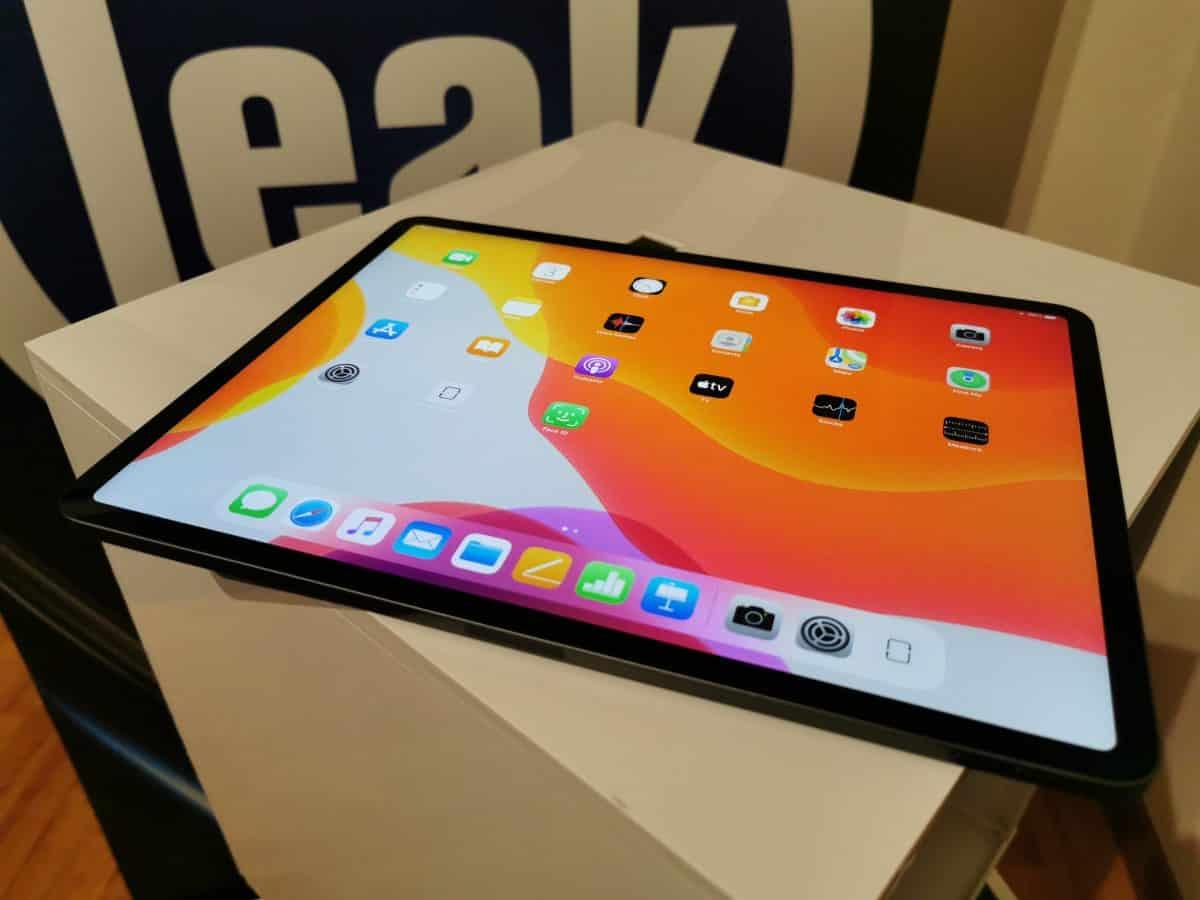 Apple sẽ trì hoãn thiết bị cho đến năm 2021 với màn hình LED nhỏ 2
