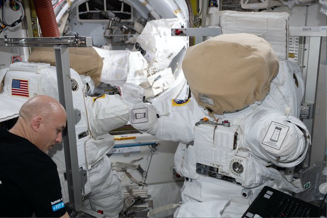 Trạm không gian quốc tế 315 hình ảnh tuyệt vời từ