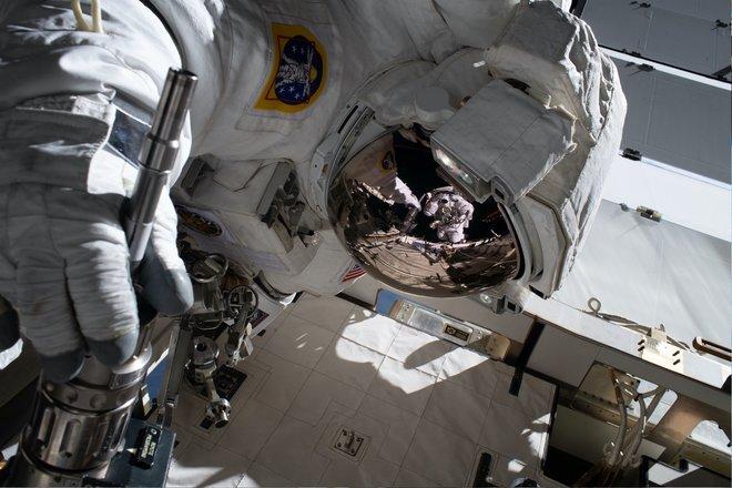 Trạm không gian quốc tế 615 hình ảnh tuyệt vời từ