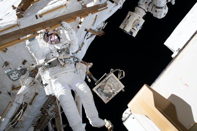 15 bức ảnh tuyệt vời từ Trạm vũ trụ quốc tế 5