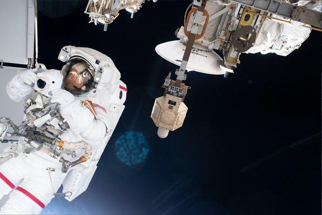 Trạm không gian quốc tế 815 hình ảnh tuyệt vời từ