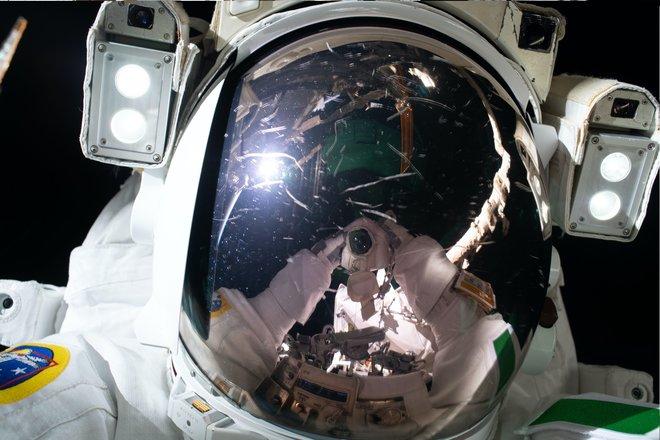 15 bức ảnh tuyệt vời từ Trạm vũ trụ quốc tế 9