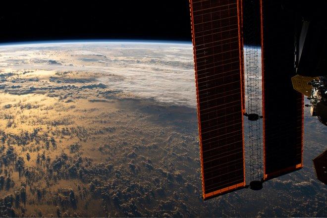 15 bức ảnh tuyệt vời từ Trạm vũ trụ quốc tế 12