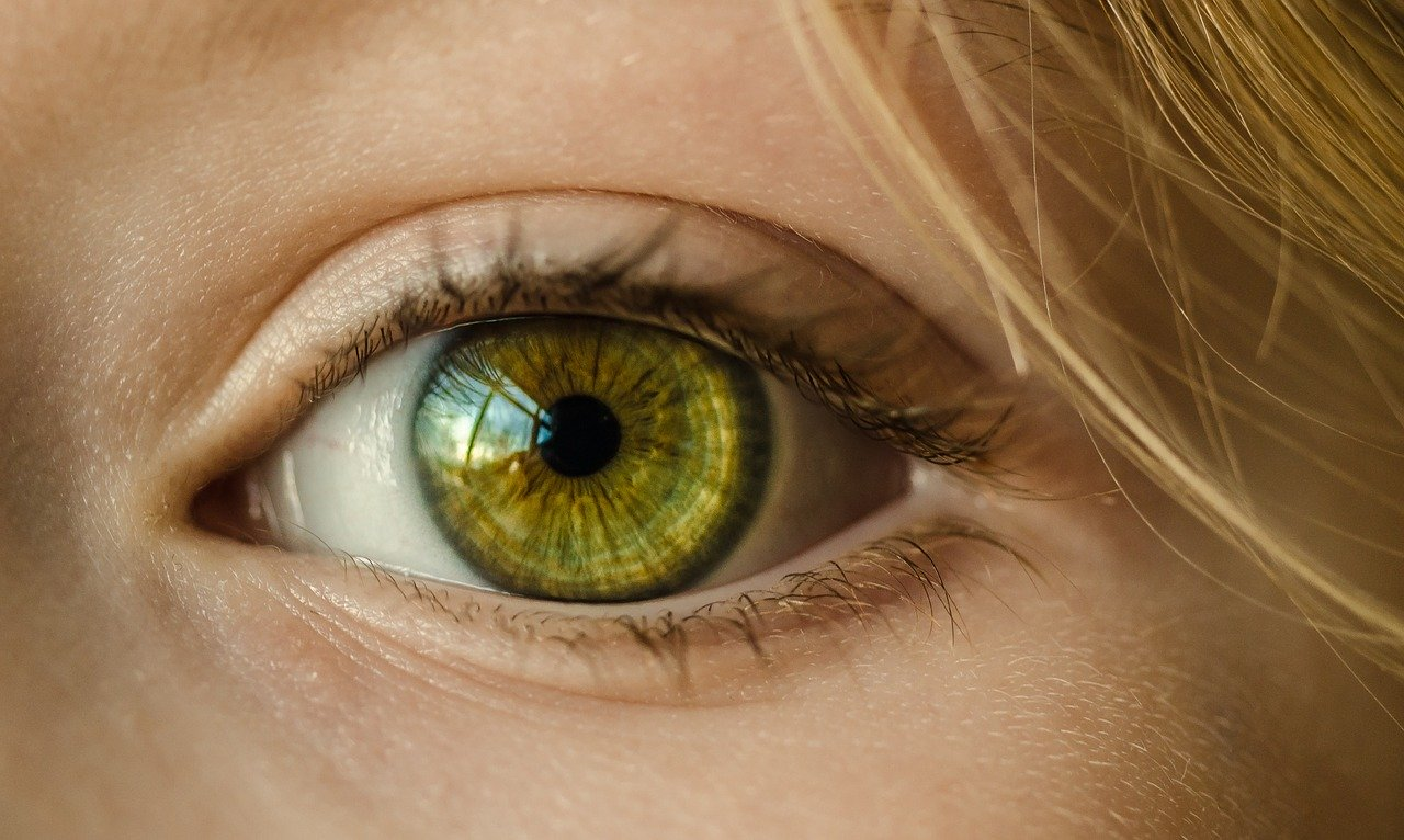 Ako môžete používať mobilný telefón, ak máte problémy so zrakom?