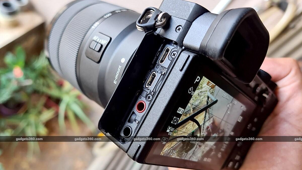 Sony A6600 ručné porty Sony