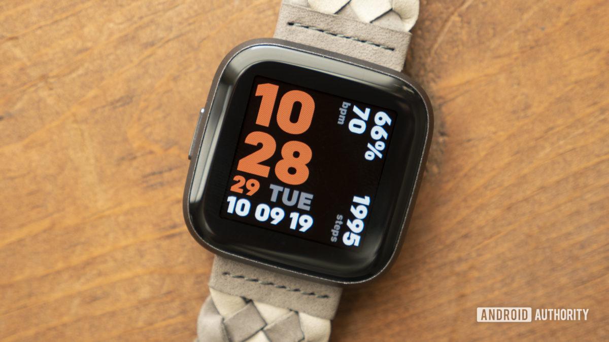 fit versa 2 skontrolujte ciferník hodiniek displeja 6