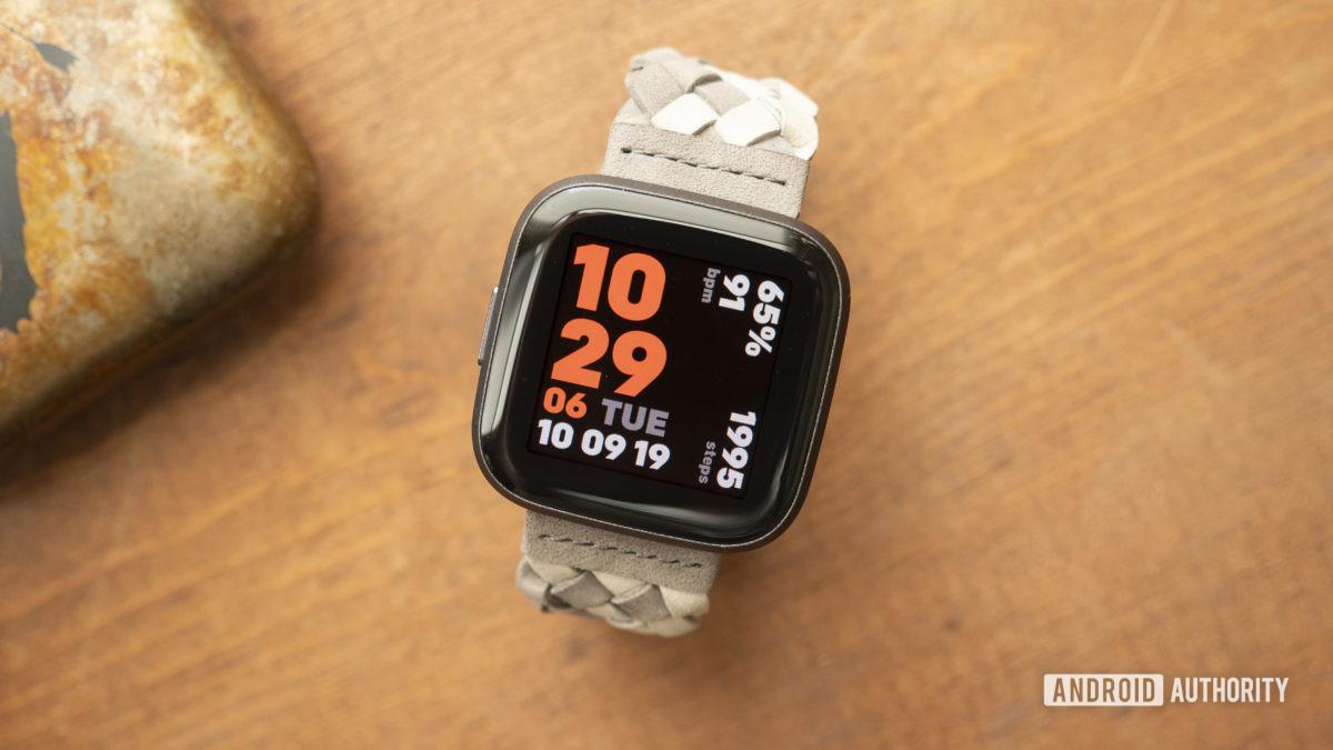 fit versa 2 skontrolujte ciferník hodiniek displeja 8
