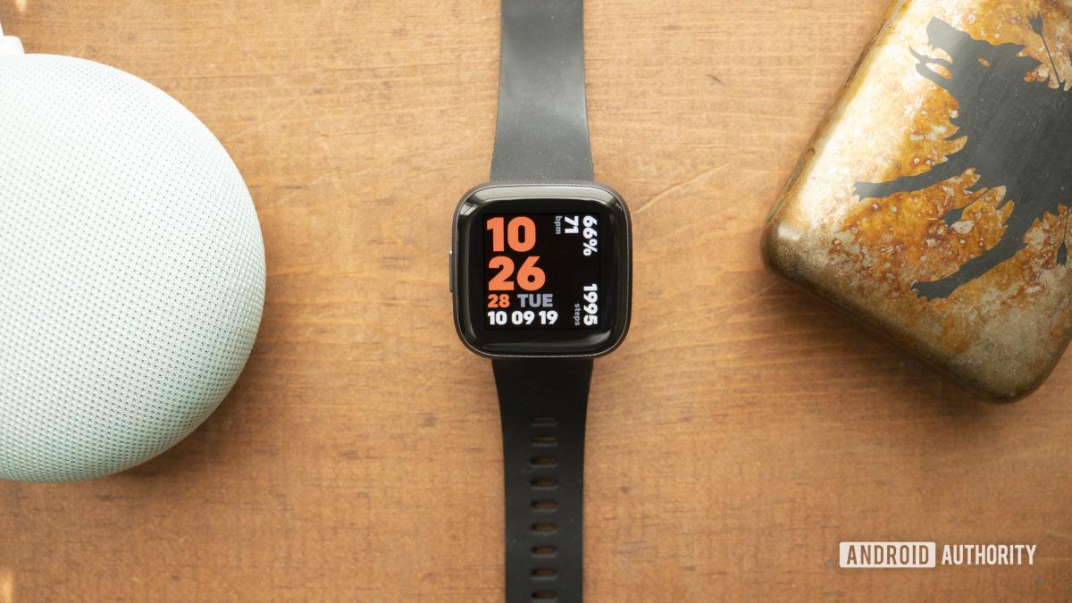 fit versa 2 skontrolujte ciferník hodiniek displeja 5