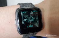 Hindy's Fitbit Versa - najlepšie aplikácie na sledovanie fitness pre Android