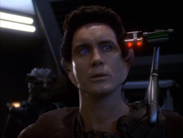 Upscaling Star Trek: Deep Space Deväť pomocou AI Topaz Video Enhance 16
