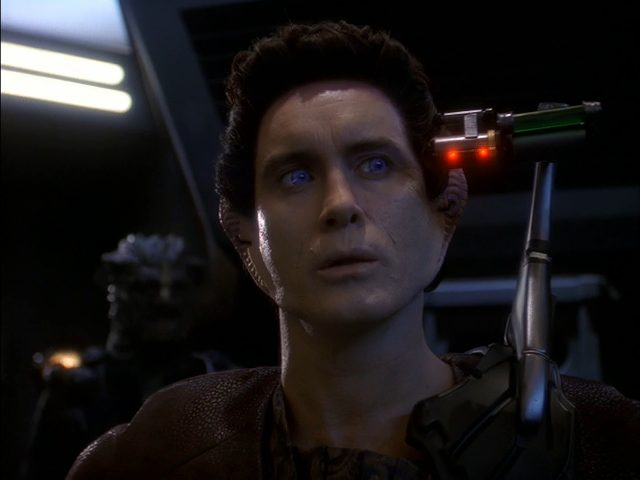 Upscaling Star Trek: Deep Space Deväť pomocou AI Topaz Video Enhance 18