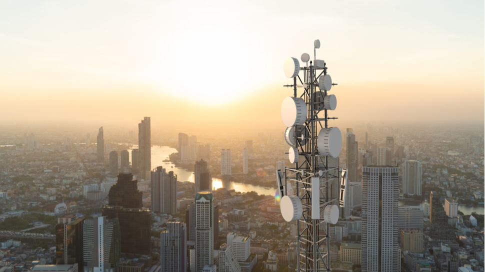 Prístup na internet visí na vlákne stovky miliónov 2