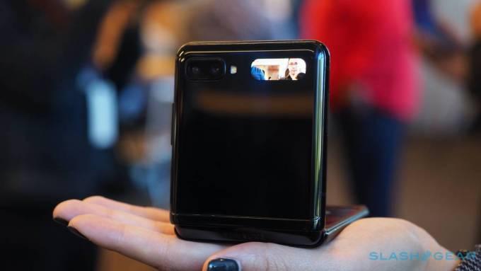 Samsung Galaxy Z Flip a Motorola Razr: Hlavné rozdiely 6