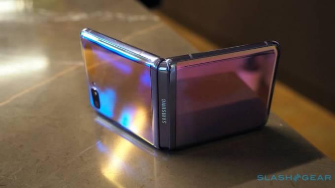 Samsung Galaxy Z Flip a Motorola Razr: Hlavné rozdiely 4