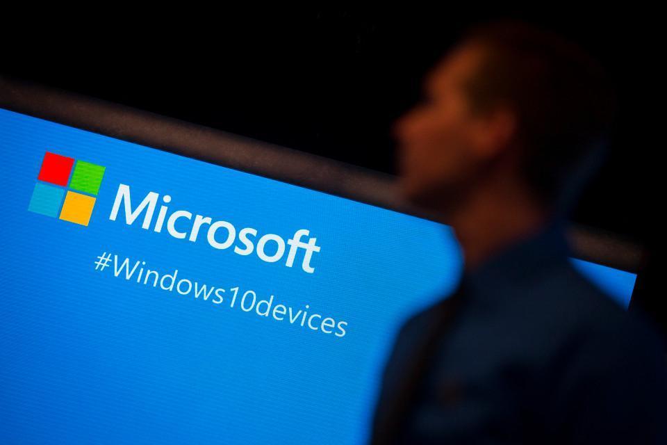 Používatelia spoločnosti Microsoft riskujú, že ich počítače budú prevzaté na diaľku, a to len prijatím e-mailu