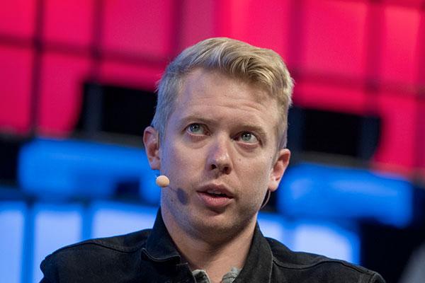 """TikTok je """"parazitická"""" aplikácia, tvrdý útok generálneho riaditeľa spoločnosti Reddit 1"""