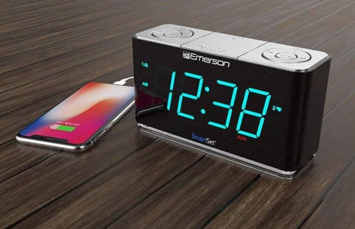 Budík Emerson SmartSet