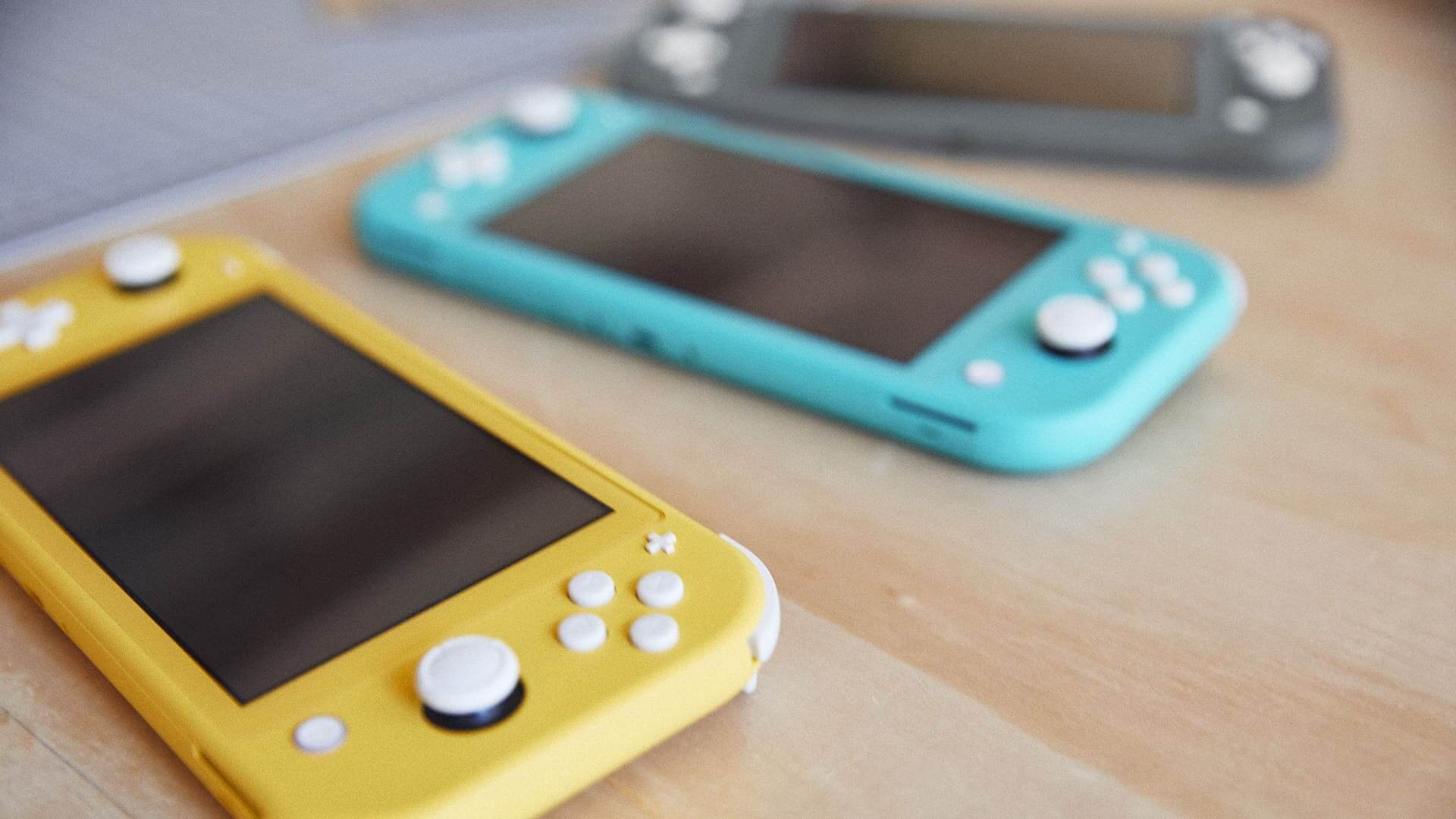 best-gift-tech-geek-nintendo-switch-lite