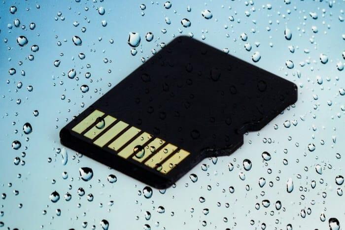Mokrá karta SD - Obnovte poškodenú kartu SD