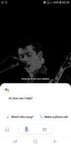 vyskočí Google asistent