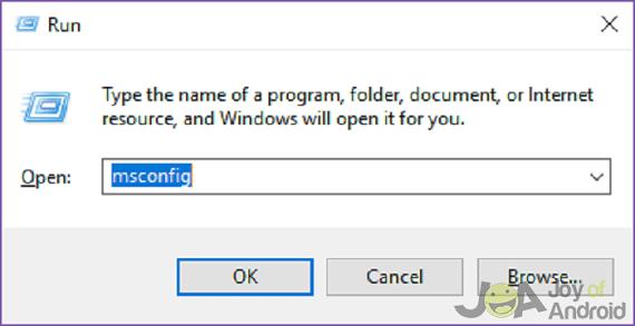 Zadajte príkaz msconfig a otvorí sa ponuka konfigurácie systému