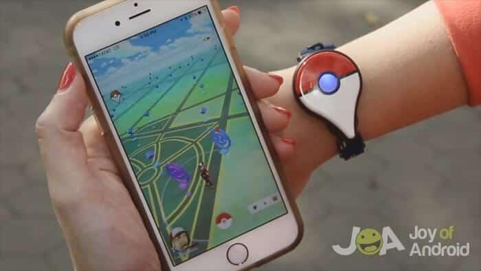 Spárované Pokemon Go Plus a hra