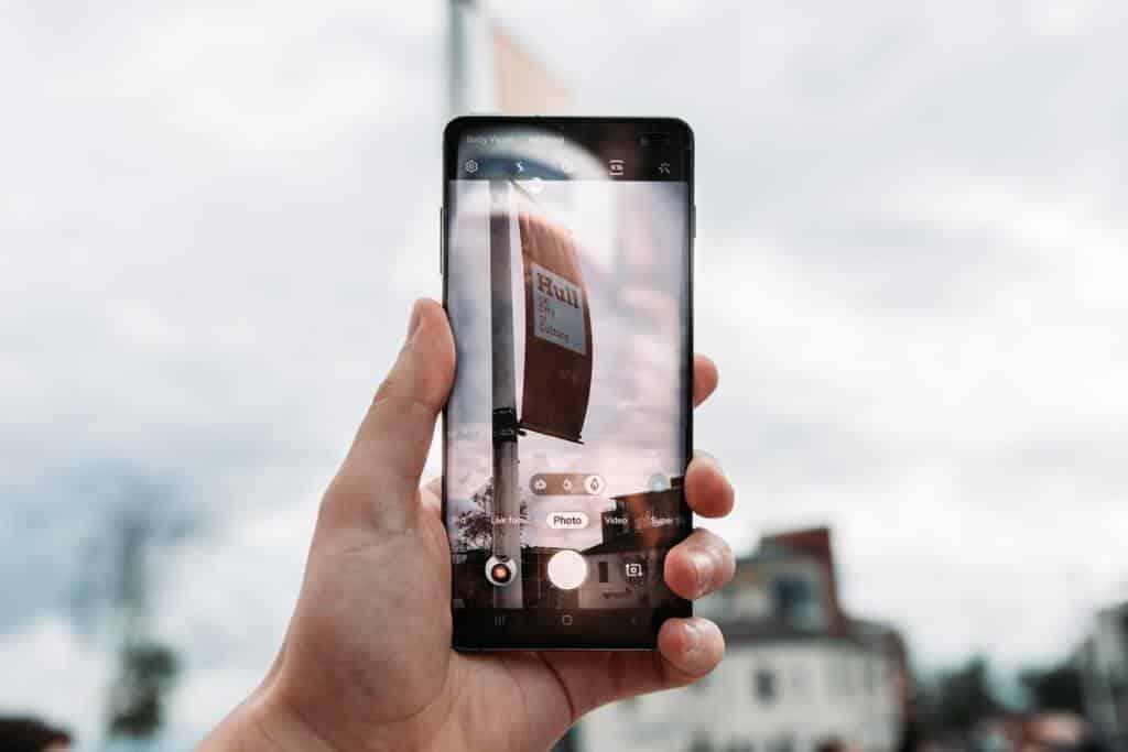 Ako skryť Samsung Galaxy Dierovacia kamera S10 [2 Methods] 1