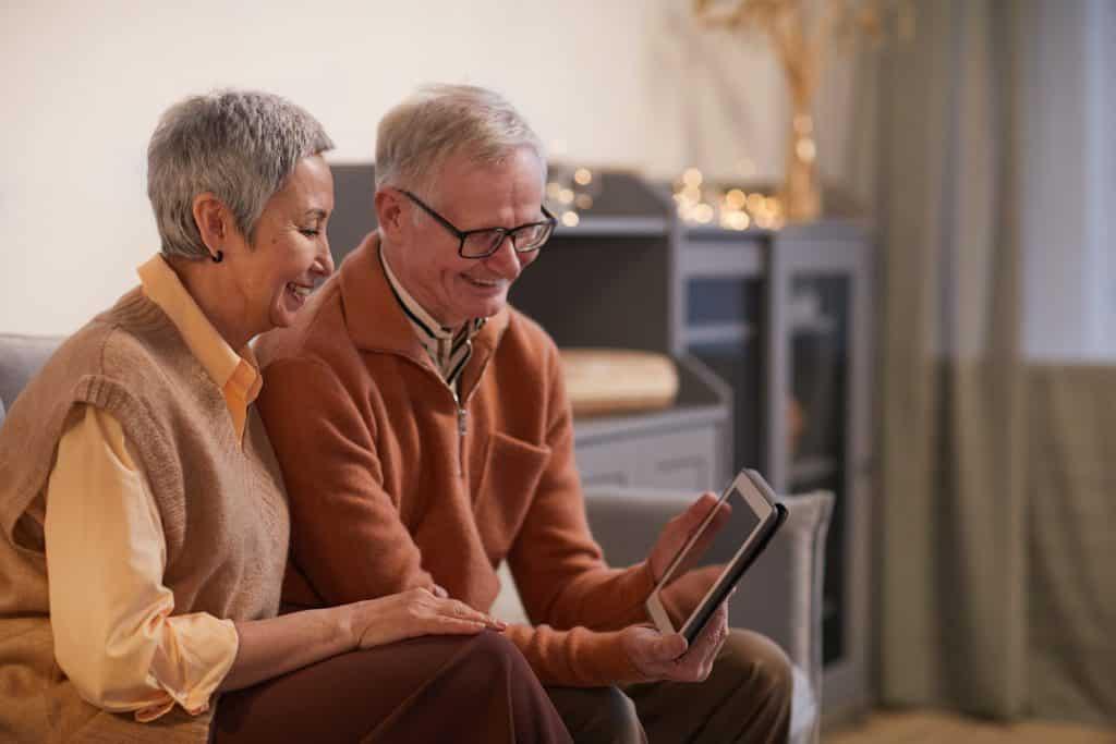 Najlepší 3 Amazon Kindle pre seniorov v roku 2021 1
