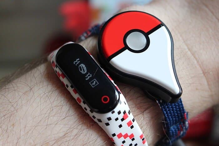 Pokemon Go Plus vs Go-tcha: Battle of the Pokemon Choďte sledovače 1